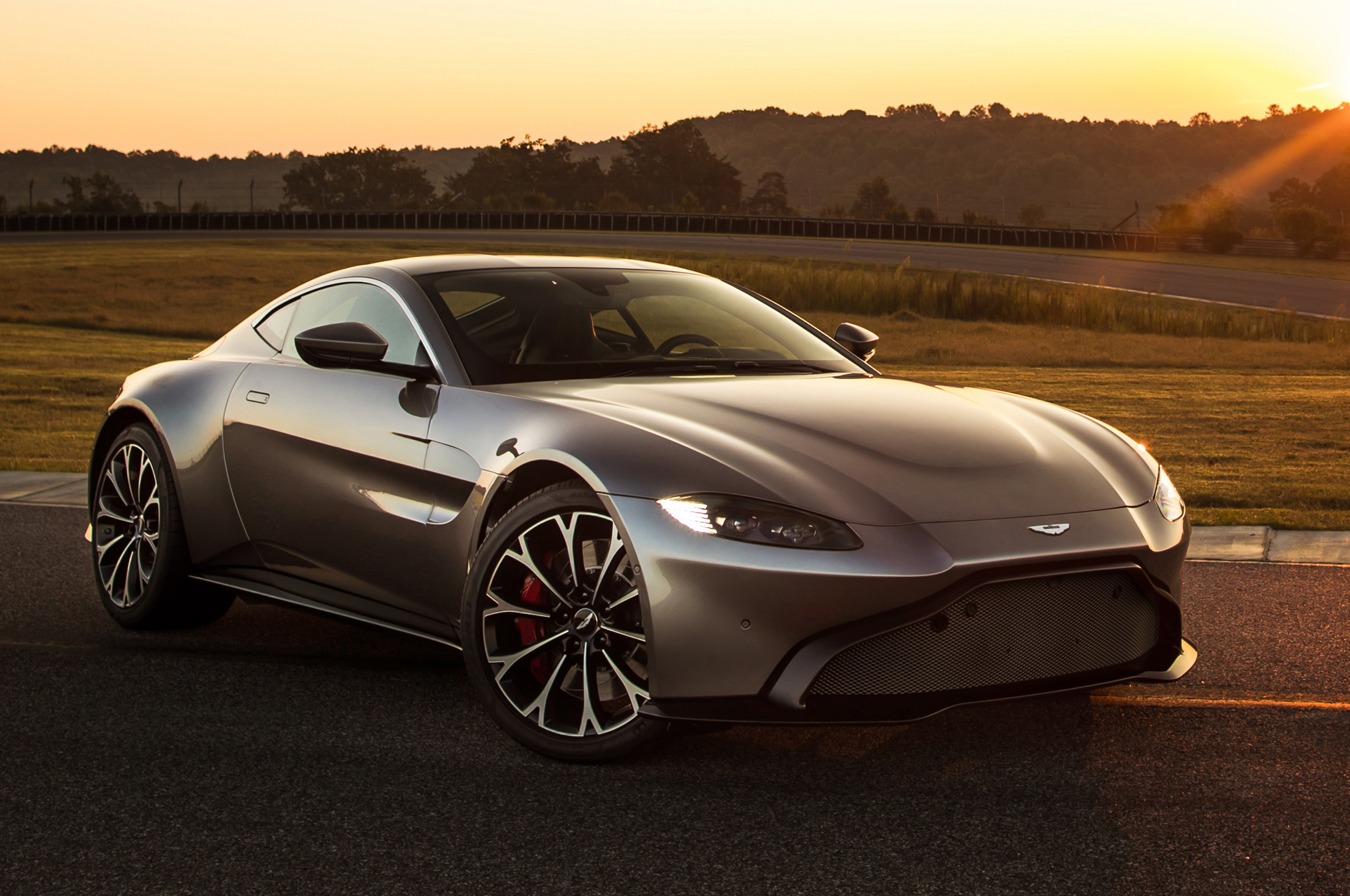 Aston Martin Vantage 2019 Ultimate Jet The Voice Of Business Aviation Since 2008