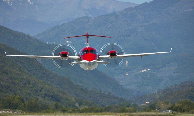 Piaggio Aerospace delivers two P.180 Avanti EVO