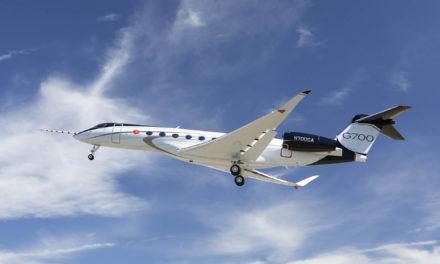 G700 makes first flight
