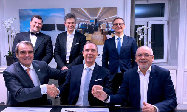 DC Aviation Group and Comlux sign cooperation agreement