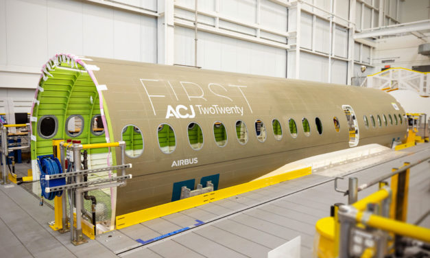 Airbus welcomes first ACJ TwoTwenty section in Mirabel / Canada